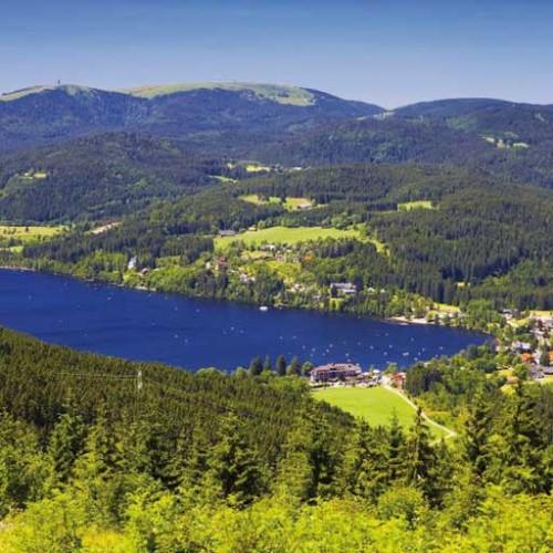 Blick auf den Titisee (Bild: Hochschwarzwald Tourismus Gmbh)