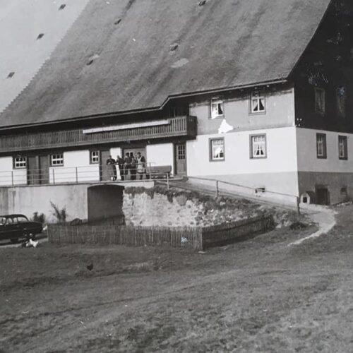 foto-gebaeude-01-erbaut-1831-unterhoefenhof-ferienwohnungen