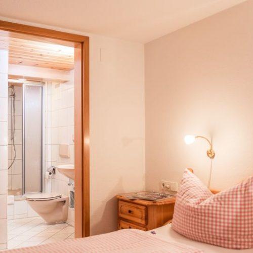 """Schlafzimmer der Ferienwohnung """"Dachs"""" – Unterhöfenhof"""