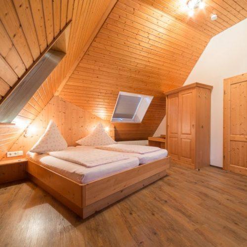 """Schlafzimmer der Ferienwohnung """"Eichhörnchen"""" – Unterhöfenhof"""
