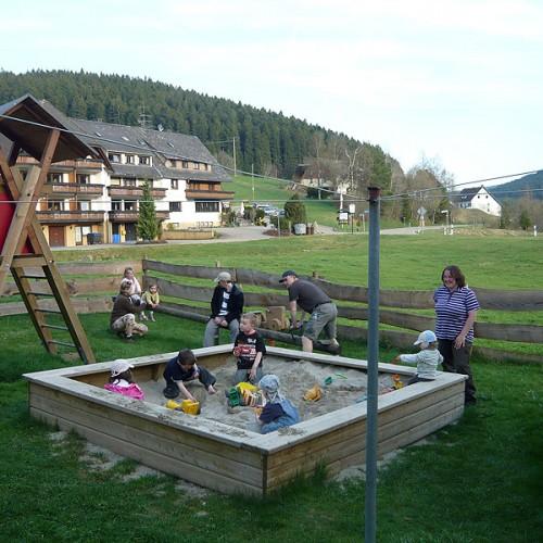 Kinderspaß auf dem Unterhöfenhof - Ferienwohnungen Schwarzwald Titisee Jostal